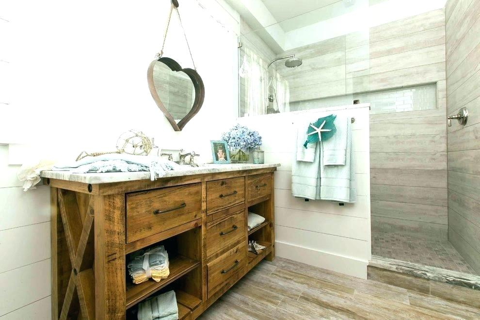 Nautical Style Bathroom Inspiration: Styling Tips & Hints